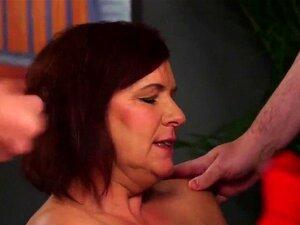 Foxy stanner dobiva spermu na licu gutajući svu spermu. Šarmantan prekrasna sranje penis prije nekoliko Svršavanje u slikama pokriva svoje lice ljepljivom filled