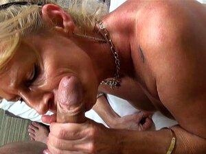 Plavokosa milf s probušene bradavice je veliki Petar, Veronika je milf sa probušene bradavice koji voli cocksucking. U ovoj pov sex video ovaj deepthroat drolja ne profesionalni blowjob.